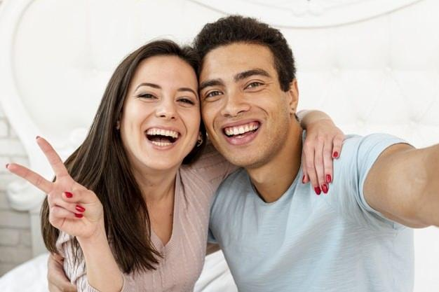 Eşlerin karantina sürecinde yapacağı romantik aktiviteler