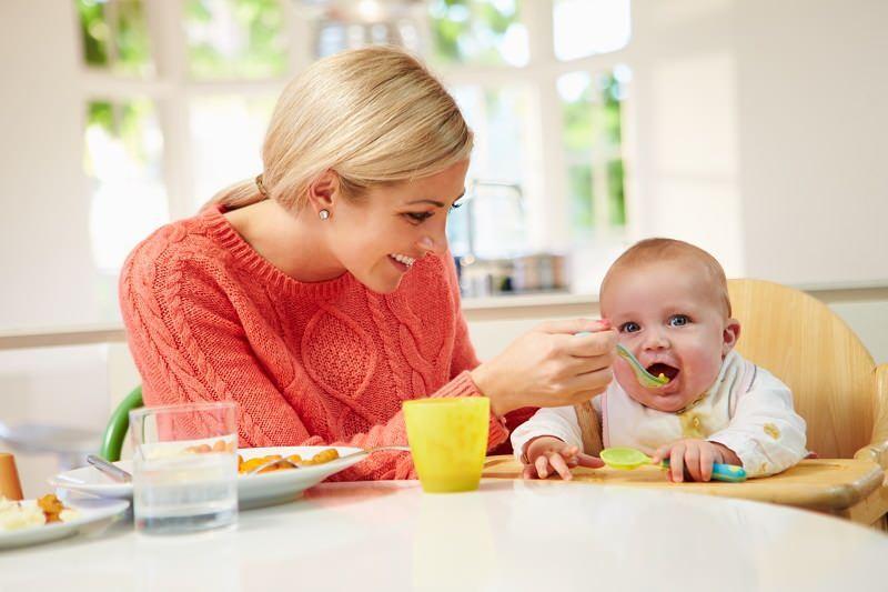 Altı aylık bebek kahvaltısı