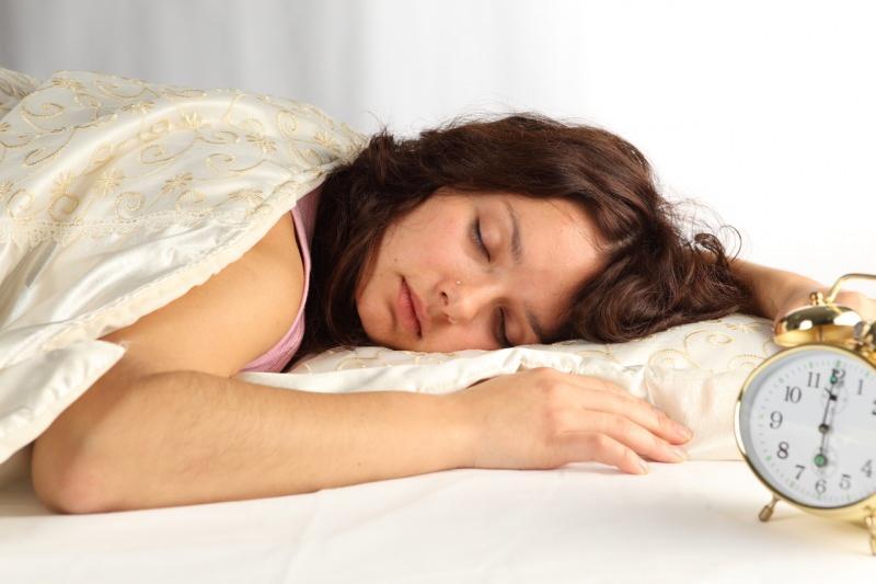 düzenli uyku vücudun dinç kalmasını sağlar