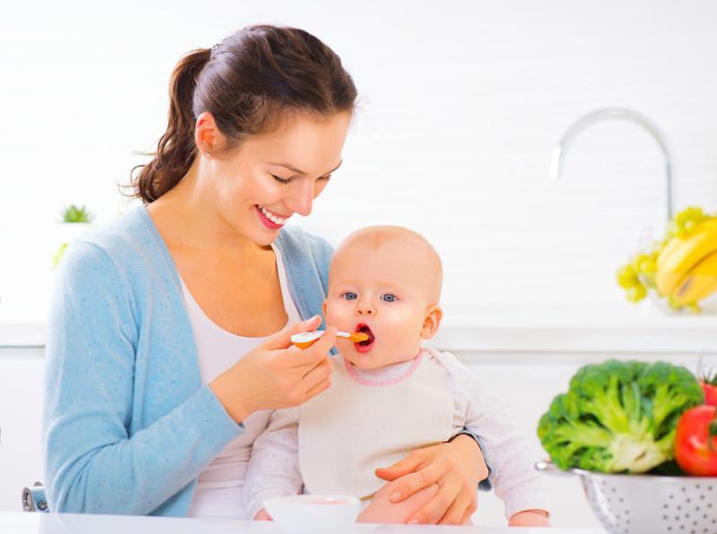bebekler için doyurucu kahvaltı menüsü
