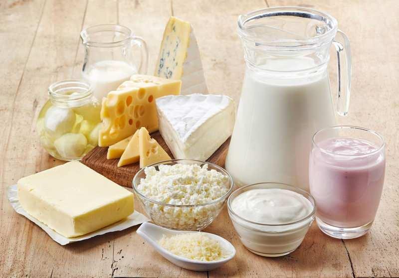 süt ve süt ürünleri probiyotik bakımından zengindir hem vücudun sıvı oranını artırır hem de  kalsiyum desteği sağlar