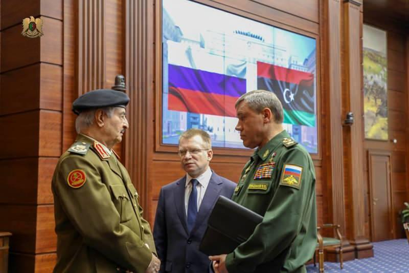 Darbeci Hafter, Moskova'ya yaptığı başka bir ziyarette ise Rusya Genelkurmay Başkanı Valeriy Gerasimov ile görüşmüştü...