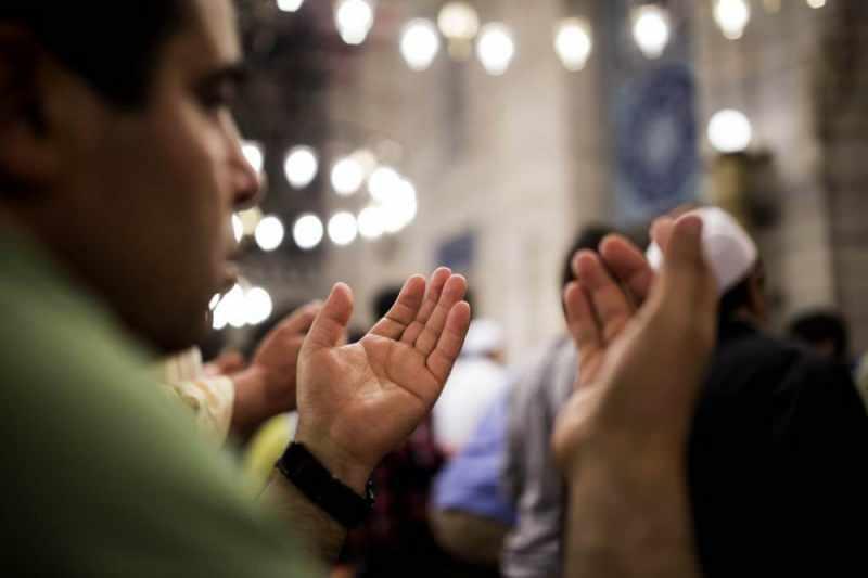 Ezan ile kamet arası okunacak dua! Vesile duası nedir? Ezan okunduktan sonra okunacak dua