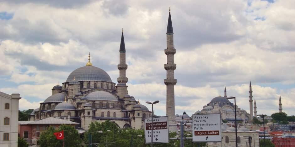 Eyüp Sultan Camii İstanbul'un güzide ibadet adresi