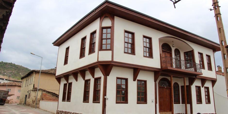 Tarihi detaylarla dolu Osmaneli eski şehir merkezi