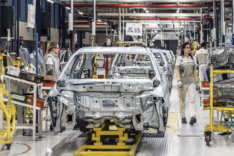 Renault fabrika, üretim