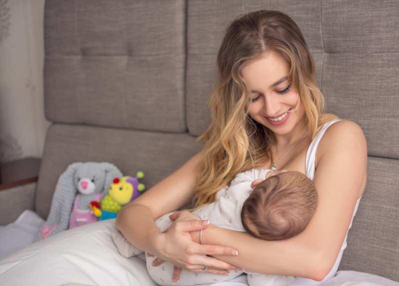 Doğru emzirme yöntemleri! Bebek nasıl emzirilir?