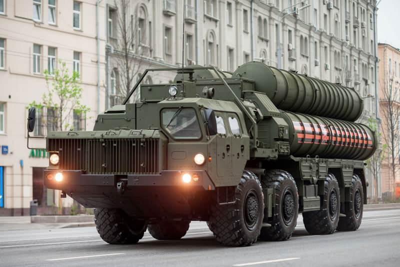 S-400 hava savunma sistemi...