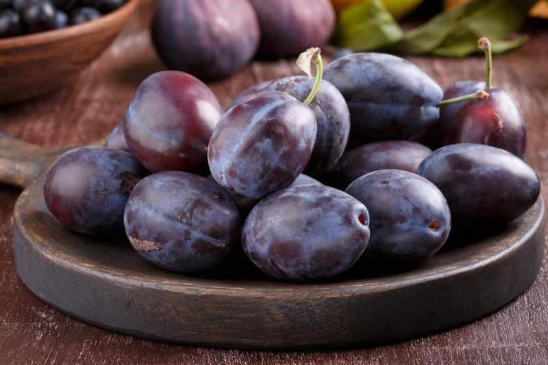 Siyah (mürdüm) eriğin faydaları nelerdir? Siyah erik besin değerleri... -  SAĞLIK Haberleri