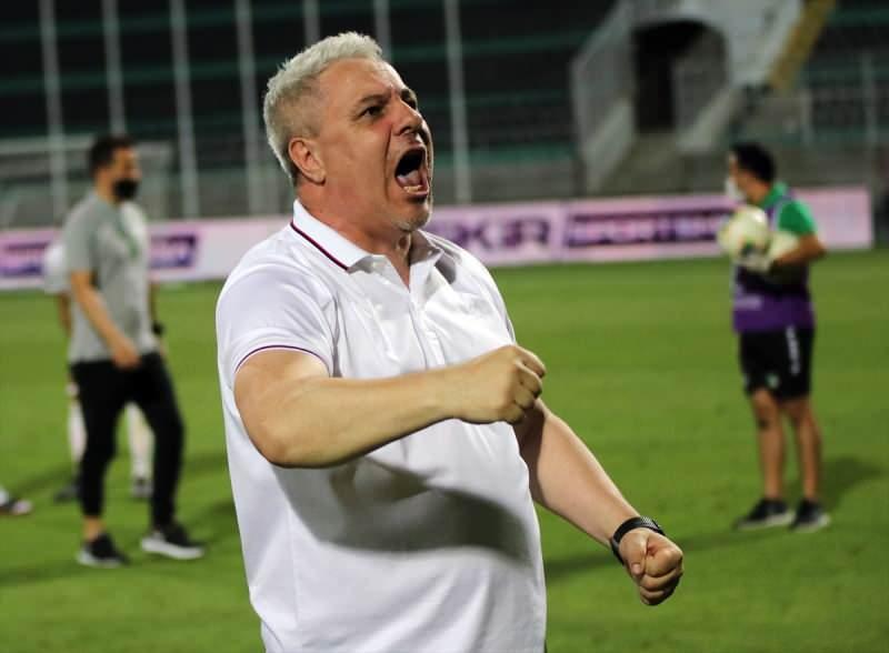 Maçın ardından Gaziantep FK Teknik Direktörü Mariusi Ninel Şumudica  protokol tribününe doğru sevinç yaşayınca gerginlik çıktı.