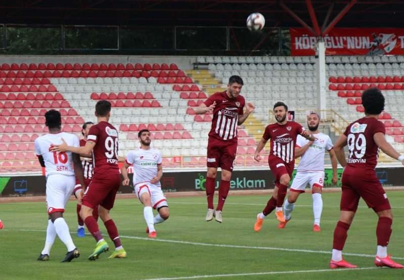 TFF 1. Lig'in 31. haftasında Bolu Atatürk Stadyumu'nda oynanan Boluspor-Hatayspor karşılaşması, ev sahibi takımın 1-0'lık galibiyetiyle sonuçlandı.