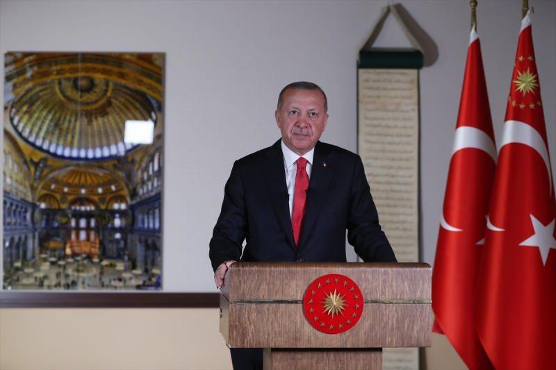 Türkiye Cumhurbaşkanı Recep Tayyip Erdoğan, saat 20.53'te Millete Sesleniş konuşması yaptı.
