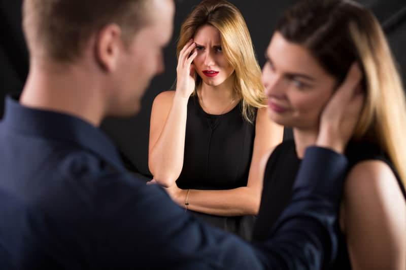 Aldatmanın belirtileri! Erkekler neden aldatır?
