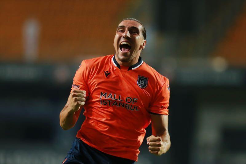 Medipol Başakşehir oyuncusu Enzo Crivelli, attığı gol sonrası sevinç yaşadı.