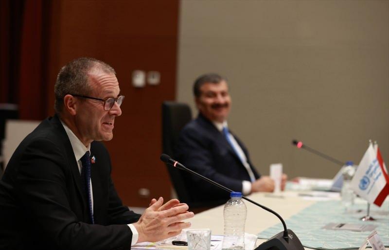 Sağlık Bakanı Fahrettin Koca (sağda) ve Dünya Sağlık Örgütü (DSÖ) Avrupa Bölge Direktörü Hans Kluge (solda), Koronavirüs Bilim Kurulu Toplantısı'na katıldı.