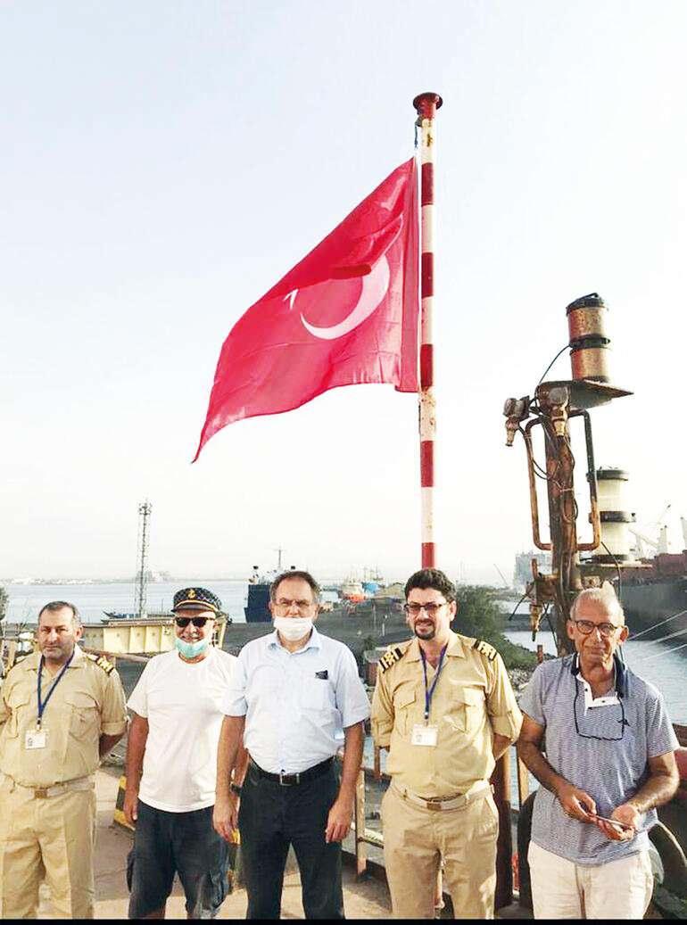 Denizcilerimizi Rizeli bir kaptan aldı, getiriyor