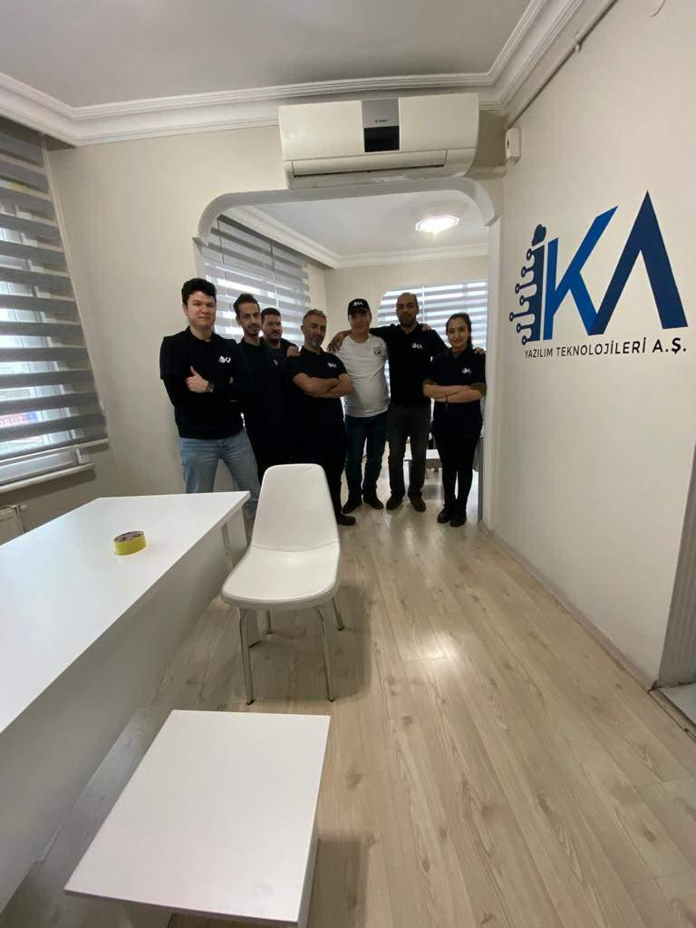 CRMİKA yazılım ekibi.