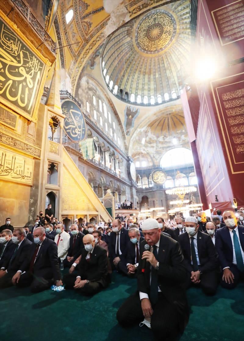 Başkan Erdoğan, Ayasofya Camii'nin açılışında düzenlenen programda Kur'an-ı Kerim okudu.