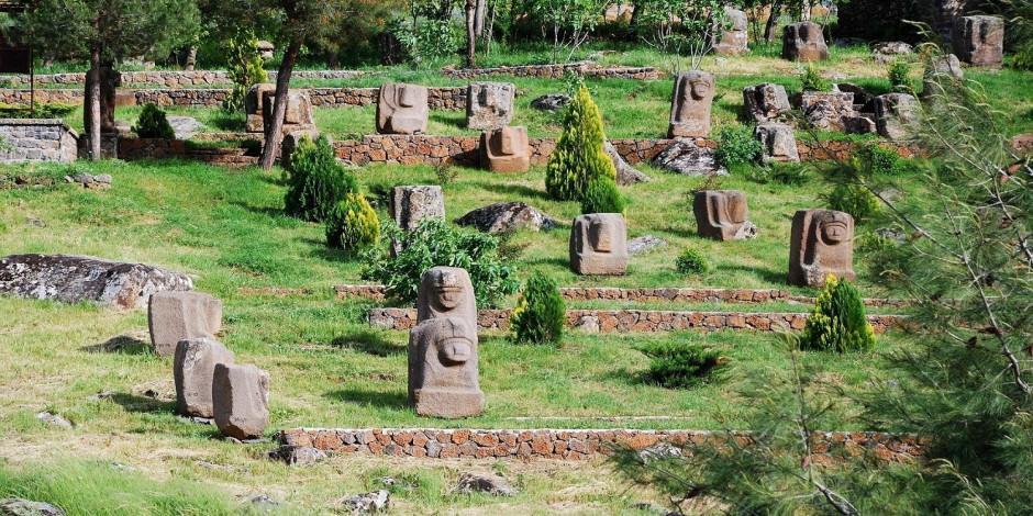 Önasya'nın en eski taş ocağı Yesemek UNESCO yolunda