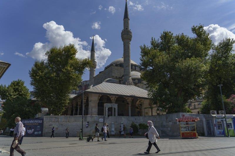 Mihrimah Sultan Camiindeki klimalar kaldırıldı