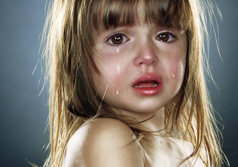Rüyada ağlayan kız çocuğu görmek ne demek