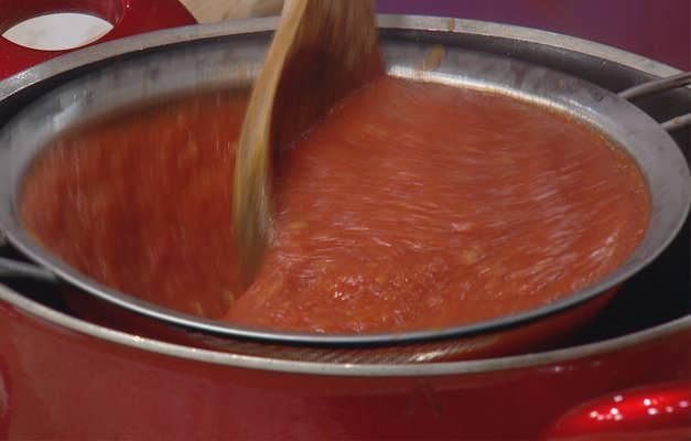 Domates konservesi nasıl yapılır?