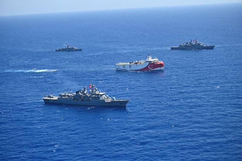 Türk Deniz Kuvvetlerine ait fırkateyn ve korvetlerin, Oruç Reis gemisine refakat ve koruma görevine devam ediyor