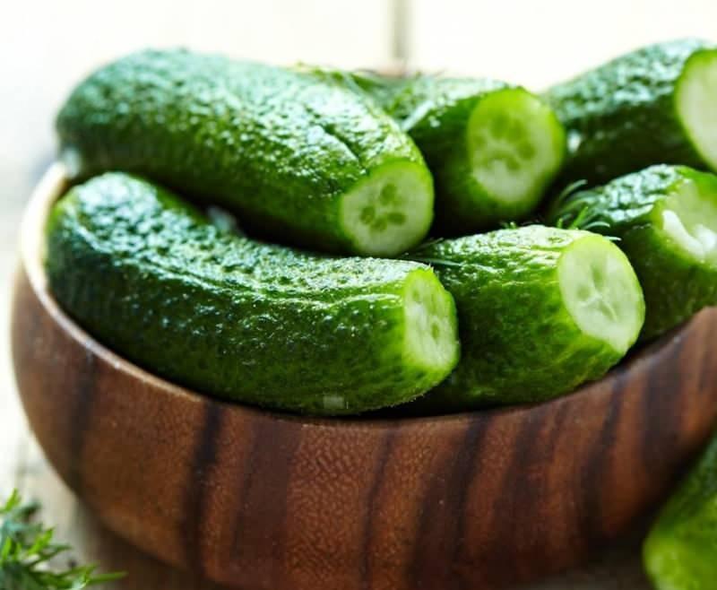 Yemek yaparken artan salatalıklar çöpe atmak yerine değerlendirebilirsiniz!