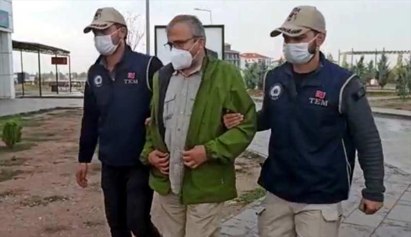 HDP'li Sırrı Süreyya Önder gözaltına alındı.