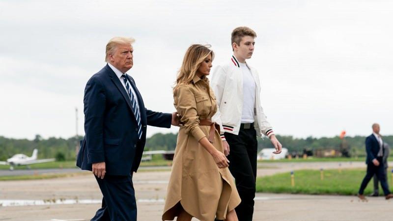 Donald Trump'ın eşi Melania Trump, oğulları Barron Trump