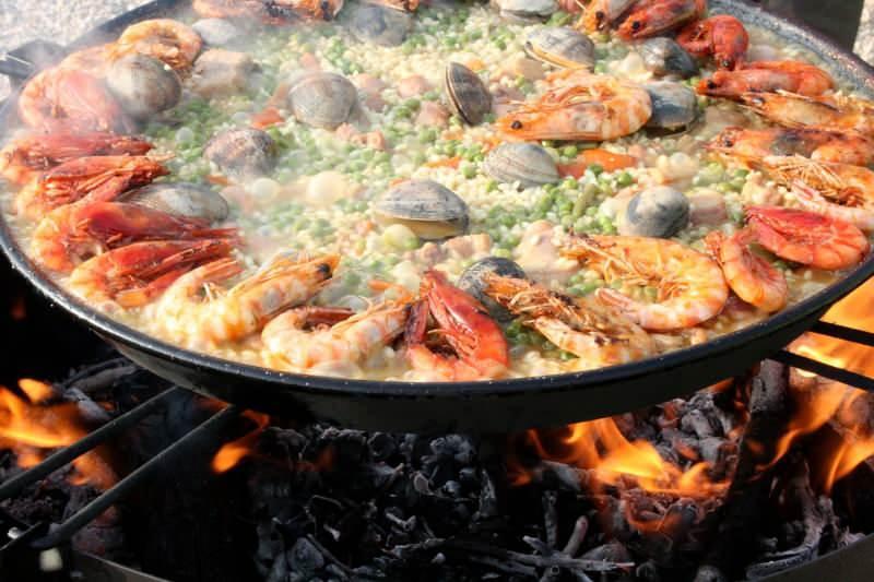 Deniz mahsullü paella nasıl yapılır? En pratik deniz mahsullü paella tarifi