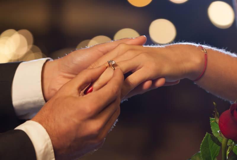 Evlilik teklifi için Tektaş modelleri
