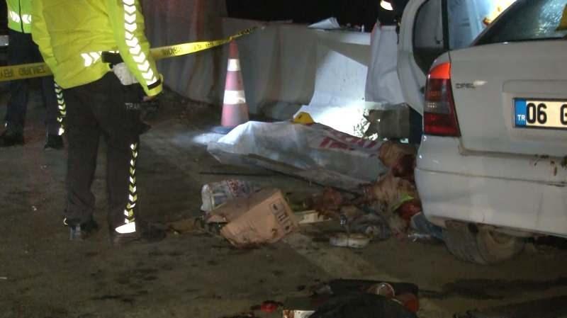 Başkent'te otomobil bariyerlere çarptı: 1 ölü, 2 yaralı