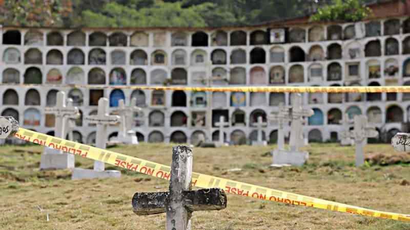 Kolombiya'da bir toplu mezarda 17 ceset bulundu