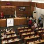 İzmir Büyükşehir meclisinde gerginlik! AK Parti Grubu salonu terk etti