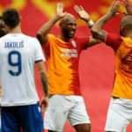Galatasaray evinde turladı!