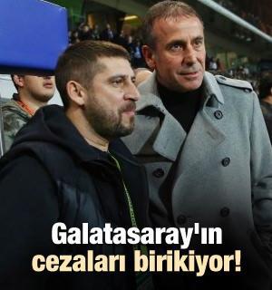 Galatasaray'da protesto devam ediyor
